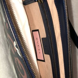 Gucci Ghost messenger bag !! Brand new